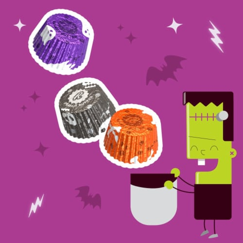 REESE'S Halloween Milk Chocolate Peanut Butter Cup Miniatures Candy With Spooky Foils Perspective: left