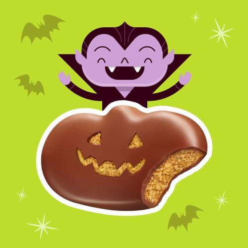 Reese's Milk Chocolate Peanut Butter Pumpkins Candy Perspective: left