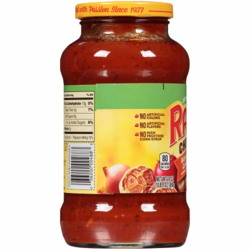 Ragu Chunky Roasted Garlic Sauce Perspective: left