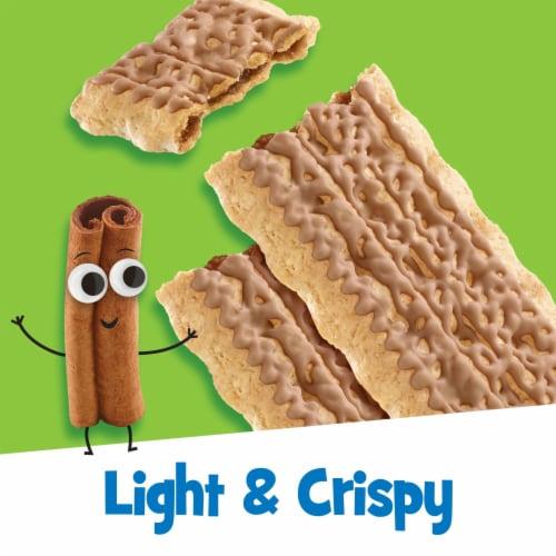 Kellogg's Pop-Tarts Crisps Frosted Brown Sugar Cinnamazing Perspective: left