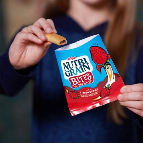 Nutri-Grain Kids Strawberry Blast Soft Baked Mini Breakfast Bars Perspective: left