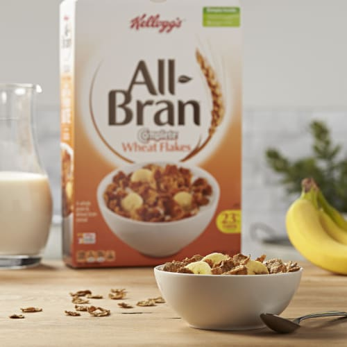 Kellogg's All Bran Complete Wheat Flakes Breakfast Cereal Perspective: left