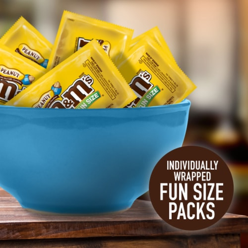 M&M's® Fun Size Peanut Chocolate Candy Bag Perspective: left