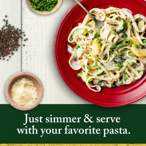 Classico Creamy Alfredo Pasta Sauce Perspective: left