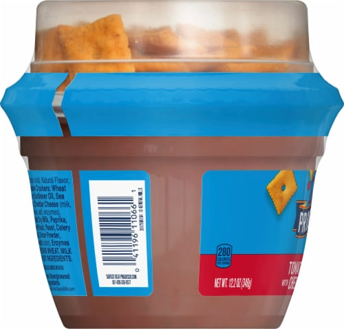 Progresso Toppers Tomato Basil Soup with Cheddar Crackers Perspective: left
