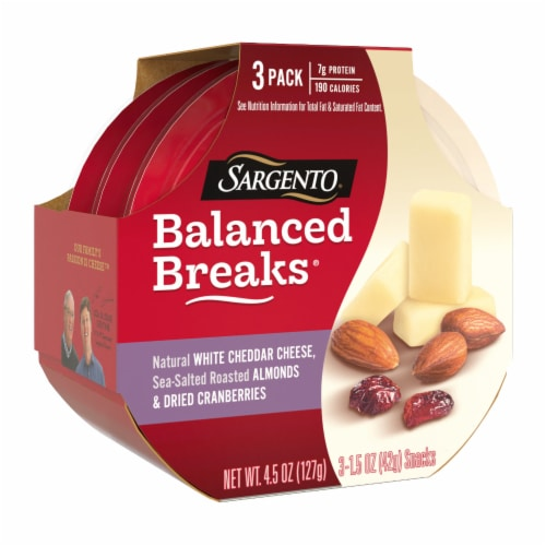 Sargento Balanced Breaks White Cheddar Cheese Almonds & Cranberries Snack Packs Perspective: left