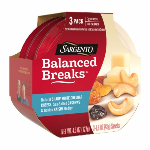 Sargento Balanced Breaks Sharp White Cheddar Cheese Cashews & Raisins Snack Packs Perspective: left