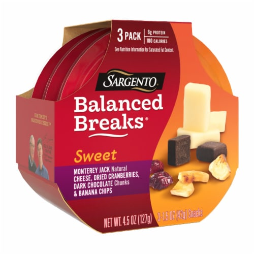Sargento Balanced Breaks Monterey Jack Cranberries Dark Chocolate & Banana Chips Snack Pack Perspective: left