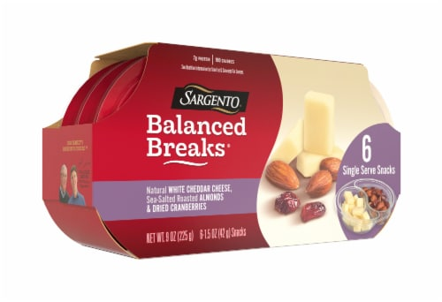 Sargento Balanced Breaks Natural White Cheddar Cheese with Almonds & Dried Cranberries Snack Packs Perspective: left