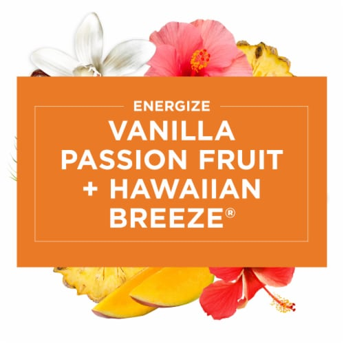 Glade 2-in-1 Hawaiian Breeze & Vanilla Passion Fruit Candles Perspective: left