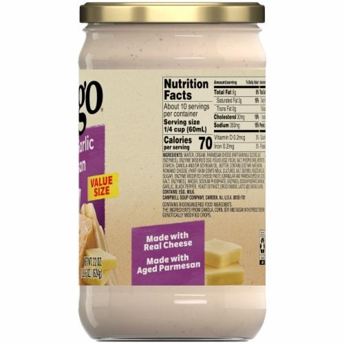 Prego Roasted Garlic Parmesan Alfredo Sauce Perspective: left