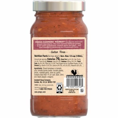Prego Farmers' Market Roasted Garlic Sauce Perspective: left