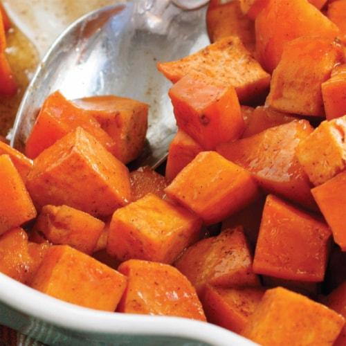 McCormick Ground Nutmeg Perspective: left