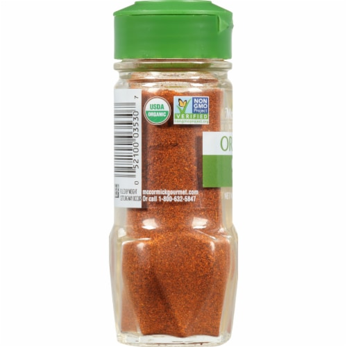 McCormick Gourmet Organic Chili Powder Shaker Perspective: left