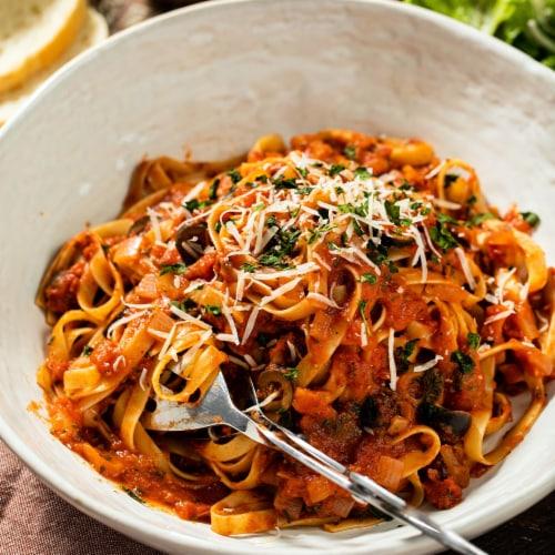 McCormick Gourmet Organic Basil Leaves Shaker Perspective: left