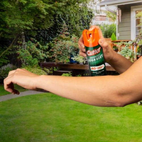 Cutter Backwoods High Deet 7.5 Oz. Insect Repellent Aerosol Spray HG-66647 Perspective: left