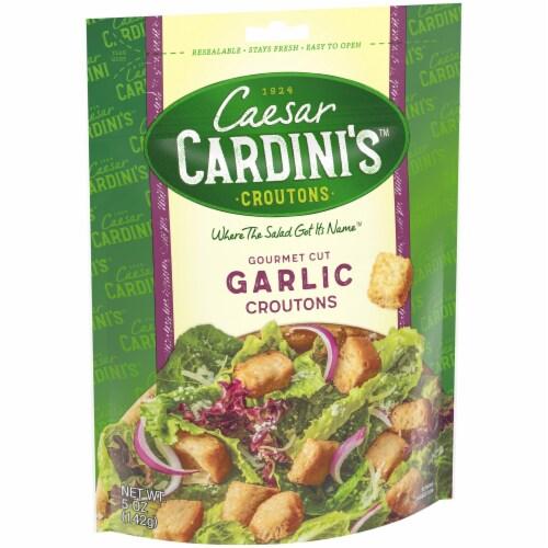 Cardini's Gourmet Cut Garlic Croutons Perspective: left