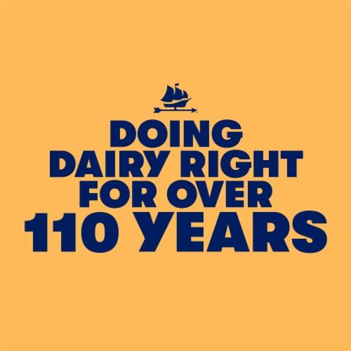 Tillamook Farmstyle Thick Cut Medium Cheddar Shredded Cheese Perspective: left