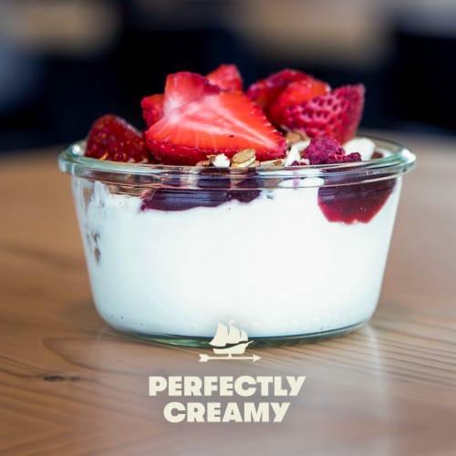 Tillamook Good & Creamy California Peach Lowfat Yogurt Perspective: left
