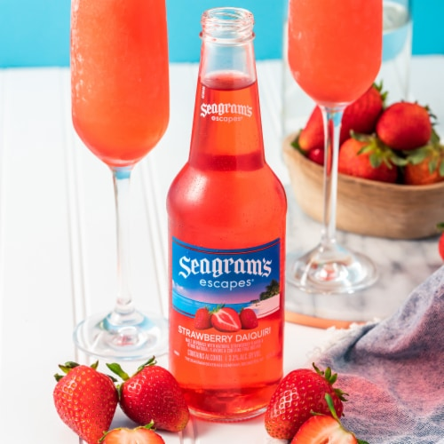Seagram's Escapes Strawberry Daiquiri Flavored Malt Beverage Perspective: left