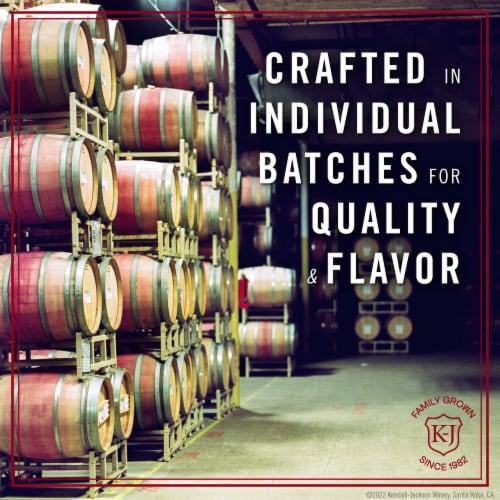 Kendall-Jackson Vintner's Reserve Merlot Red Wine Perspective: left