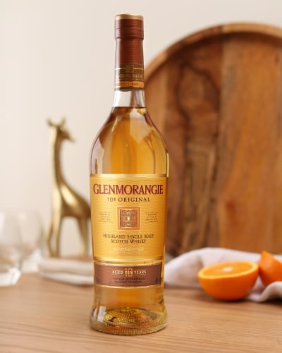 Glenmorangie The Original 10 Year Highland Single Malt Scotch Whisky Perspective: left
