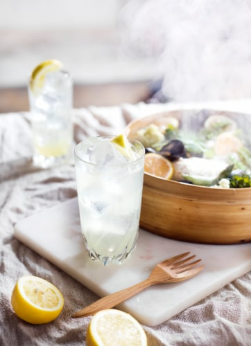 Smirnoff Zero Sugar Infusions Lemon & Elderflower Vodka Perspective: left