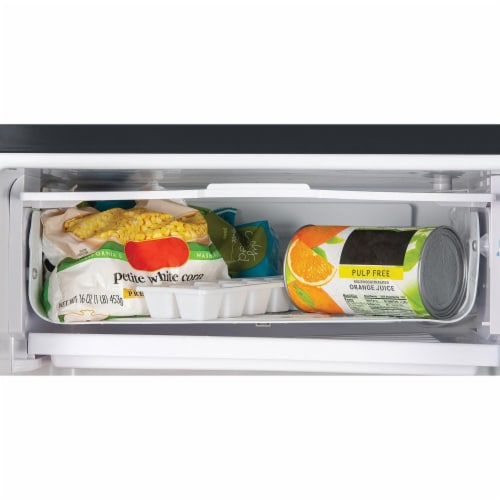 Igloo Refrigerator with Freezer - Black Perspective: left