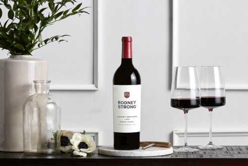 Rodney Strong Cabernet Sauvignon Red Wine Perspective: left