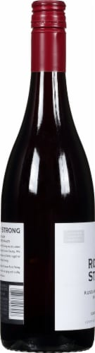 Rodney Strong Russian River Valley Pinot Noir Red Wine Perspective: left