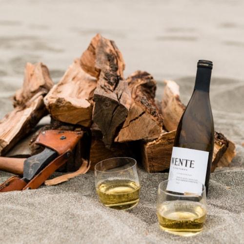 Wente Riva Ranch Chardonnay Perspective: left