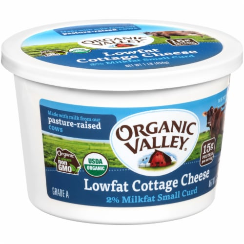 Organic Valley 2% Small Curd Lowfat Cottage Cheese Perspective: left