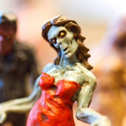 Zombies Super TOOB Perspective: left