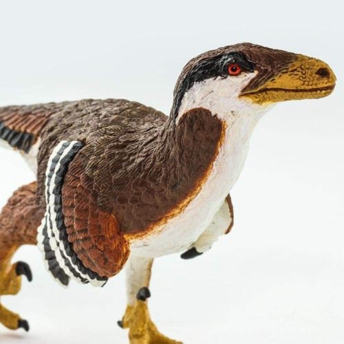 Deinonychus Toy Perspective: left