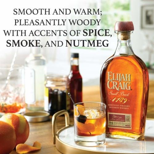 Elijah Craig Straight Bourbon Small Batch Perspective: left