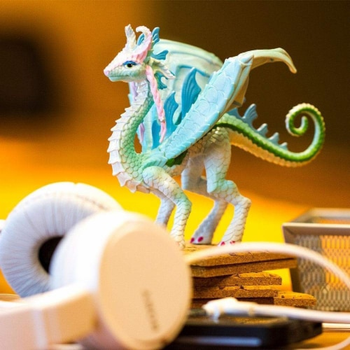 Princess Dragon Toy Perspective: left