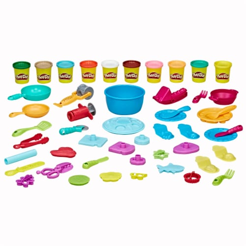 Play-Doh Kitchen Creations Ultimate Chef Play Set Perspective: left