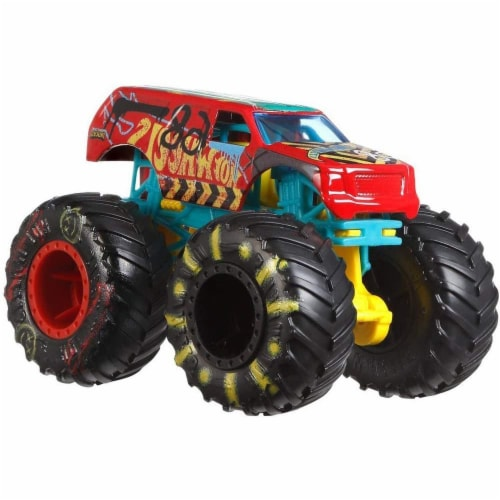 Hot Wheels Monster Trucks 1:64 Scale Demo Derby, Includes Crushable Car Perspective: left
