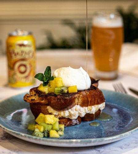 Dogfish Head Hazy-O IPA Perspective: left