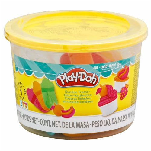 Play-Doh Sundae Treats Mini Bucket Perspective: left