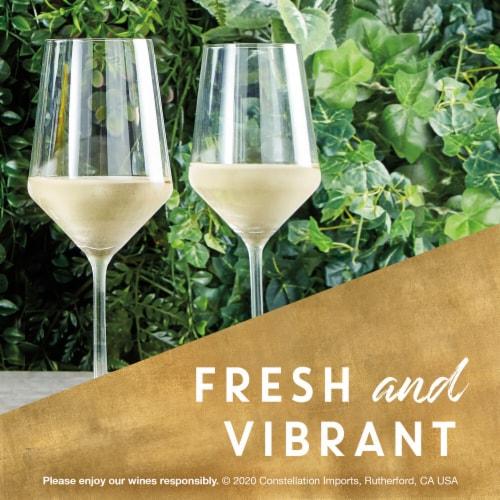 Kim Crawford Sauvignon Blanc White Wine Perspective: left