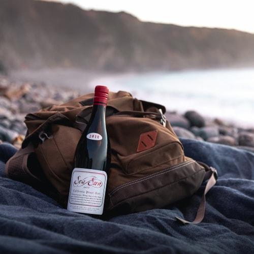 Sea Sun California Pinot Noir Red Wine Perspective: left