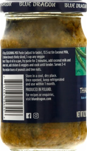 Blue Dragon Thai Green Curry Paste Perspective: left