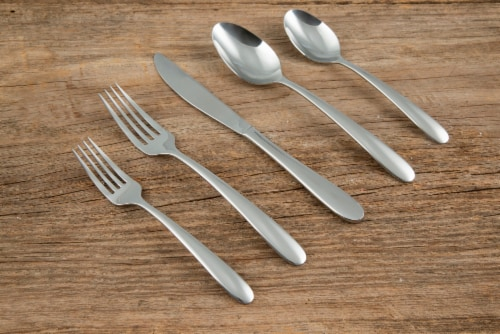Cambridge Silversmiths Jude Flatware Set - Mirror Perspective: left