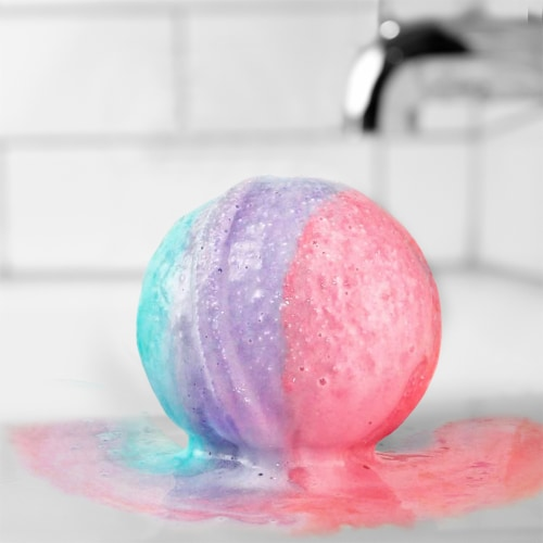 Hallu Escape Unicorn Bath Bomb Perspective: left