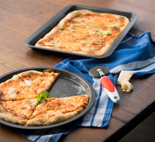 Ballarini cookin'Italy Pizza Pan Set Perspective: left
