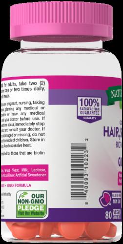 Nature's Truth Goregous Hair Skin & Nail Botin Gummies 2500mcg Perspective: left