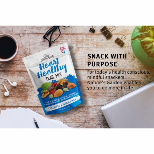 Nature's Garden Heart Healthy Trail Mix Perspective: left