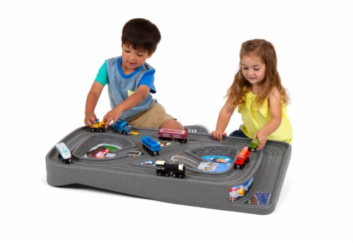 Simplay3 Grab N Go Road to Rail Table Playset Perspective: left