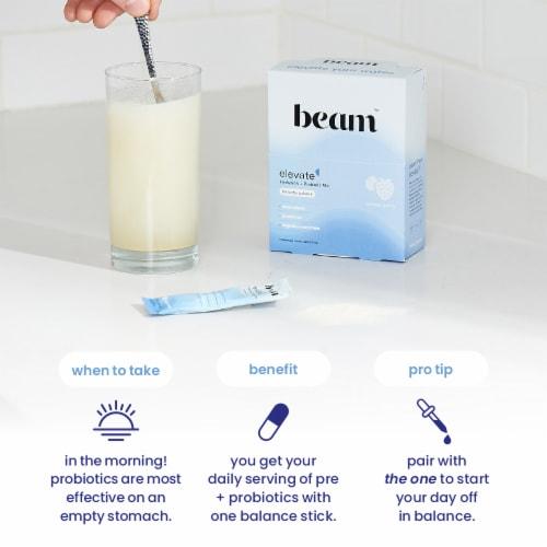 Beam Organics, Elevate Hydration Balance, Mixed Berry, 15 Single Serve Powder Packets Perspective: left